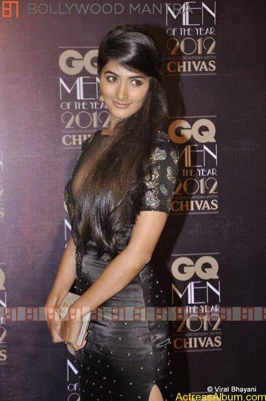 Pooja Hegde Hot FACEBOOK Pics2