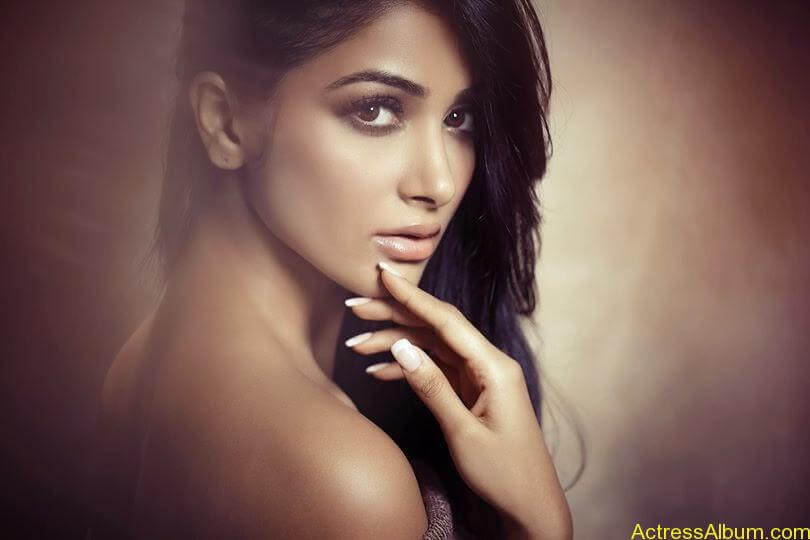Pooja Hegde Hot FACEBOOK Pics6