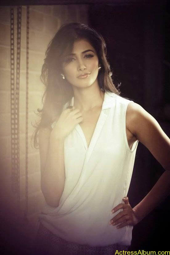 Pooja Hegde Hot FACEBOOK Pics7