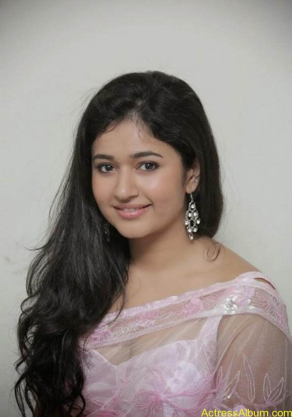Poonam bajwa in transferentsaree photos (3)