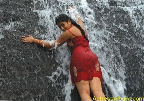 Poonam Bajwa Swimsuit Pics 7