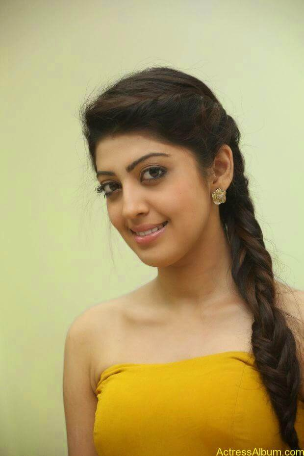 Praneetha new look in yellow topless (2)