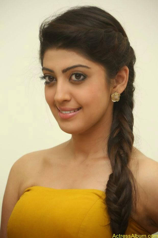 Praneetha new look in yellow topless (3)