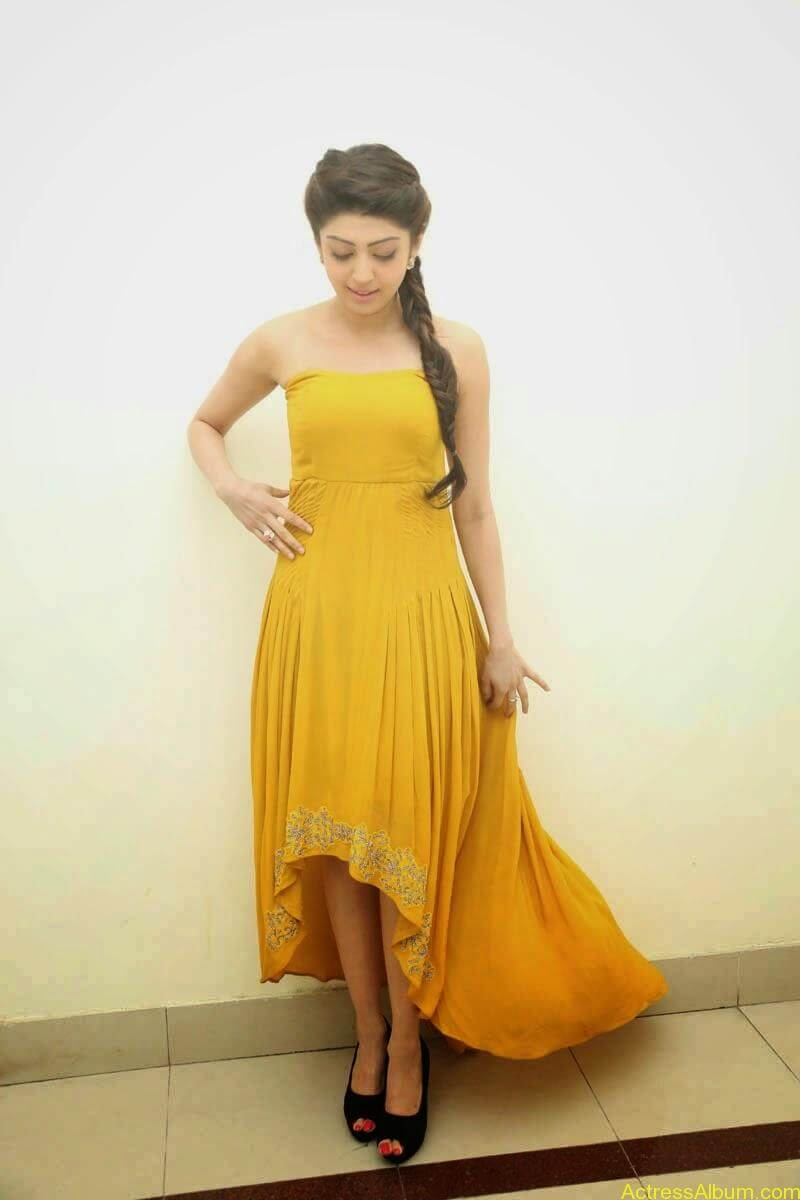 Praneetha new look in yellow topless (5)