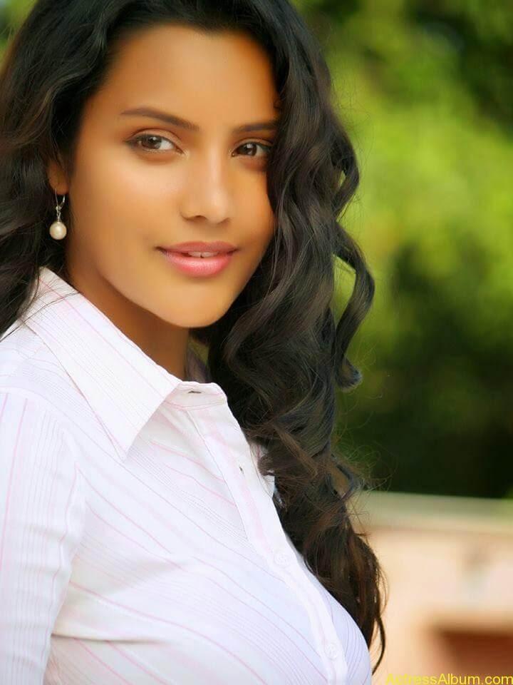 Priya anand latest hot stills (4)