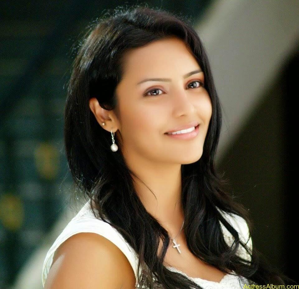 Priya anand latest hot stills (7)
