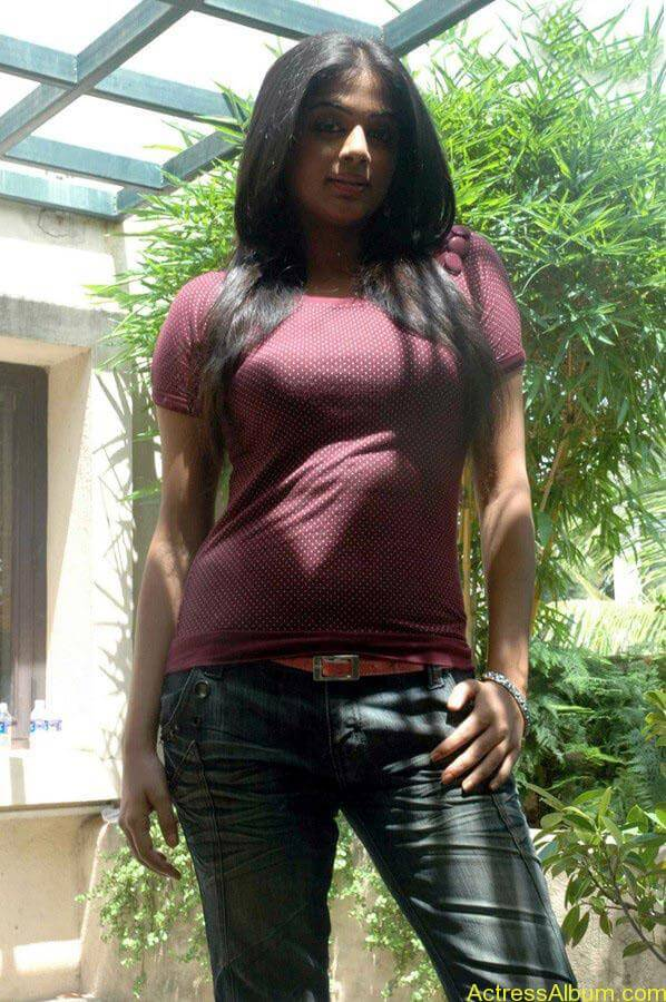 Priyamani hot glamour photos (10)