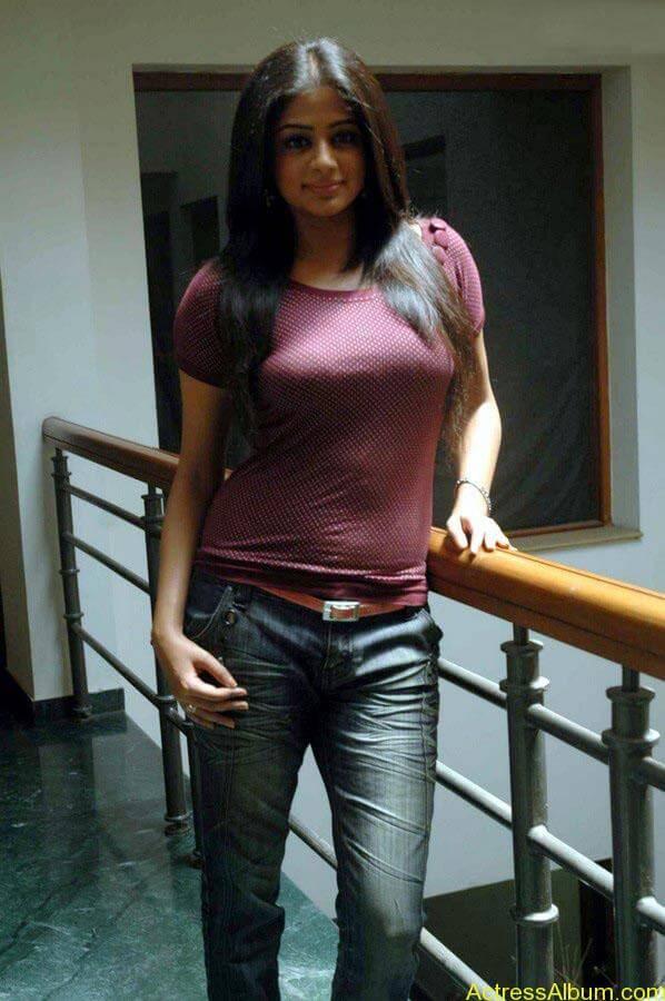 Priyamani hot glamour photos (16)