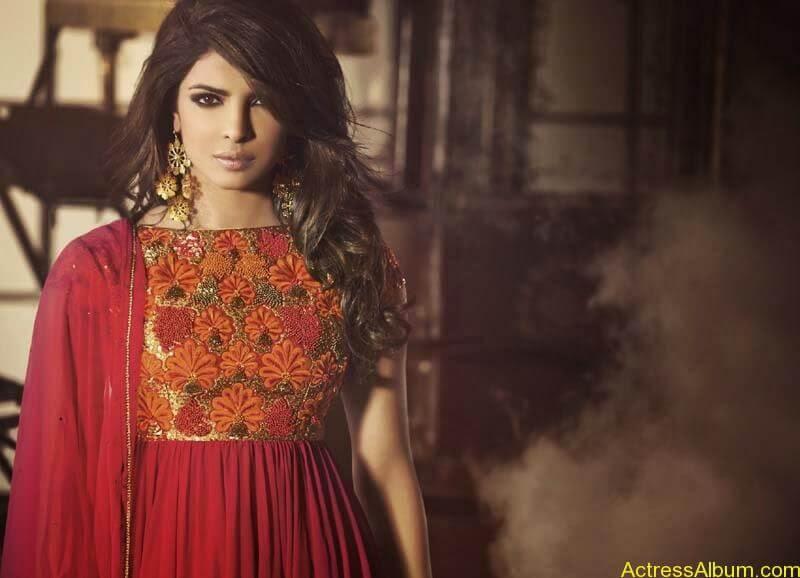 Priyanka Chopra new look  (3)