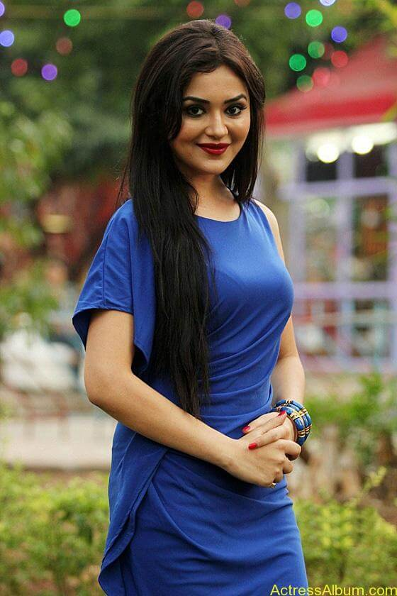 Ragini nandwani hot stills (3)