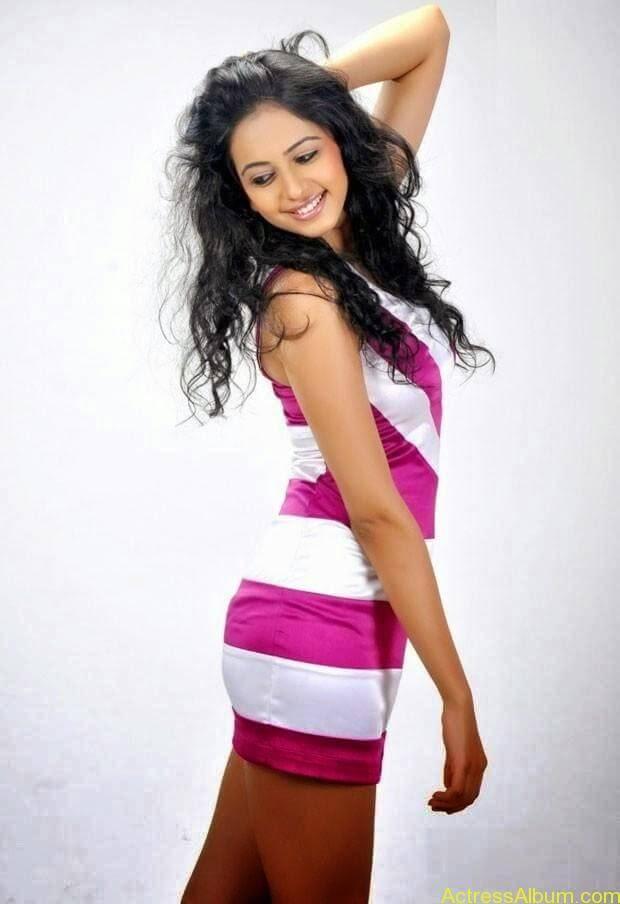 Rakul Preet Singh hot and spicy photo shoot (10)