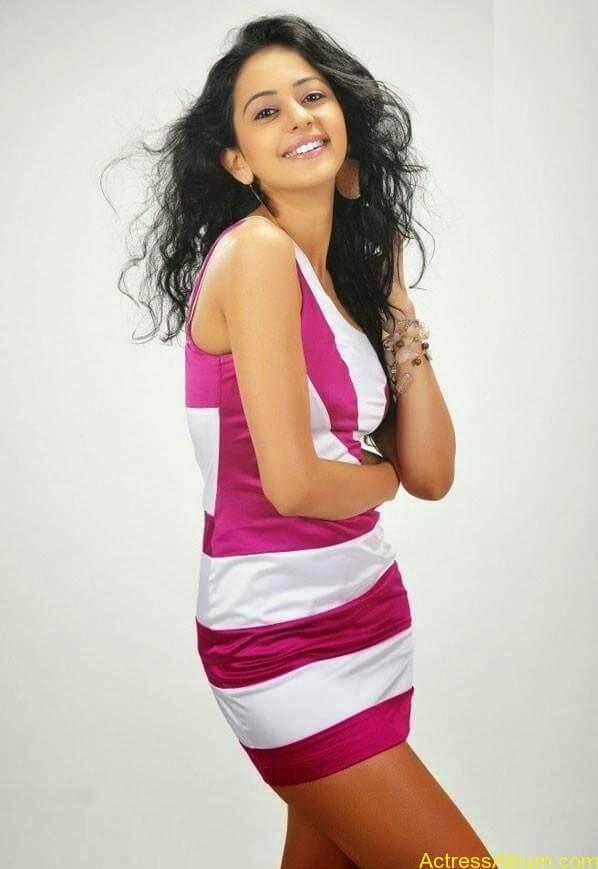 Rakul Preet Singh hot and spicy photo shoot (11)
