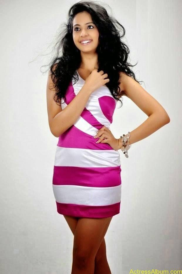 Rakul Preet Singh hot and spicy photo shoot (3)