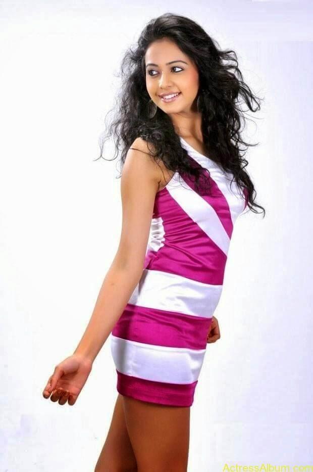 Rakul Preet Singh hot and spicy photo shoot (5)