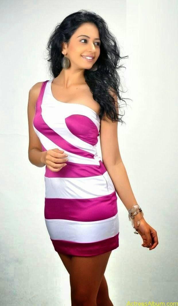 Rakul Preet Singh hot and spicy photo shoot (9)