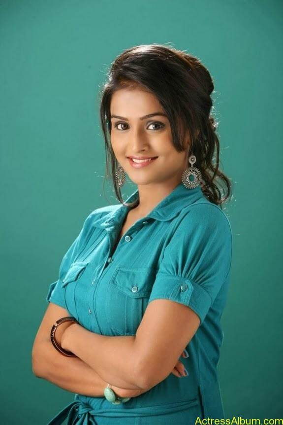 Remya nambeesan cute hot photos stills (1)