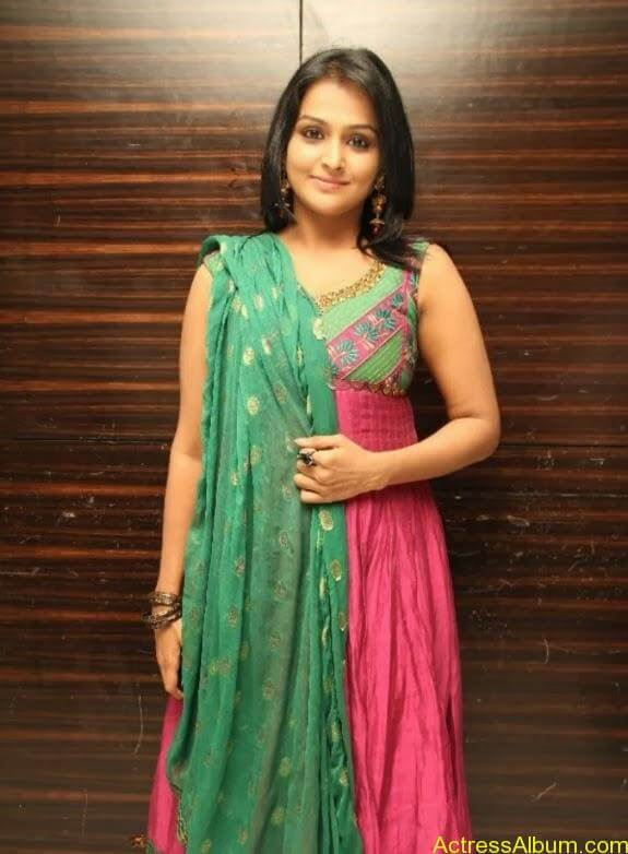 Remya nambeesan cute hot photos stills (16)