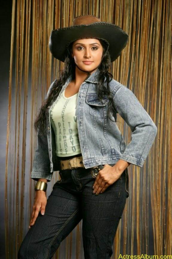 Remya nambeesan cute hot photos stills (17)