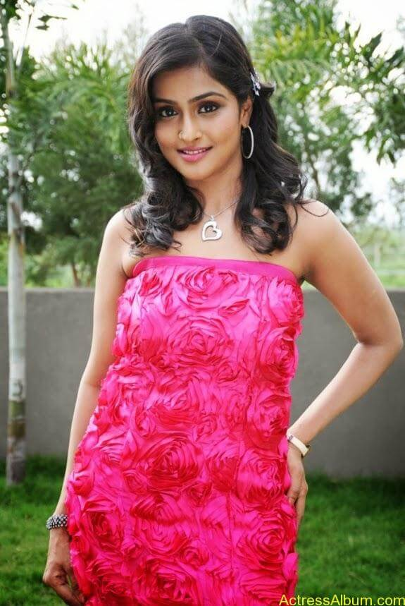 Remya nambeesan cute hot photos stills (21)