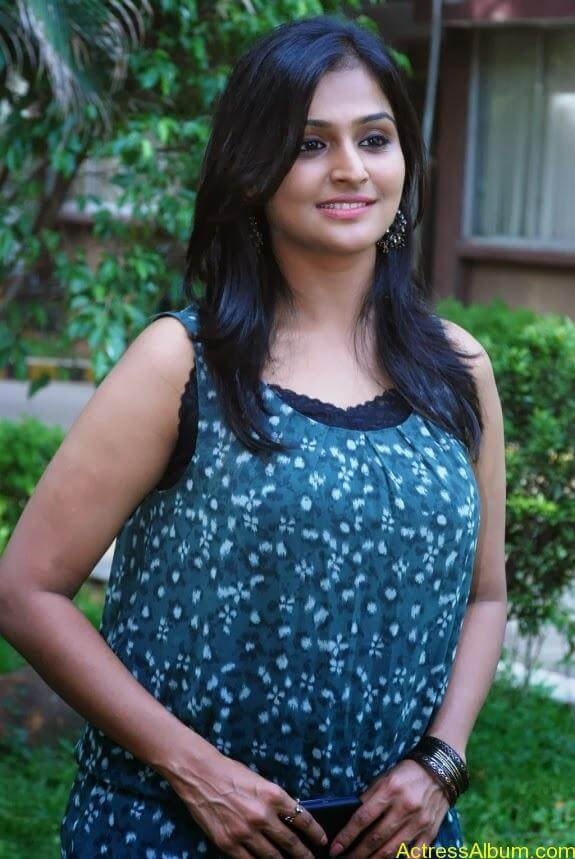 Remya nambeesan cute hot photos stills (29)