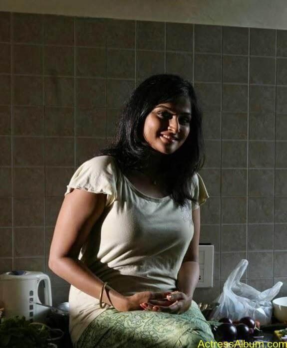 Remya nambeesan cute hot photos stills (3)