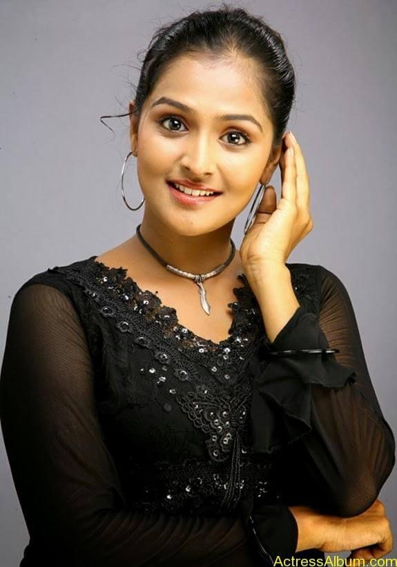Remya nambeesan cute hot photos stills (34)