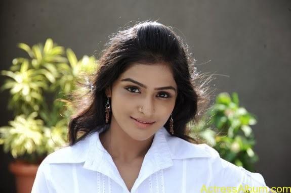 Remya nambeesan cute hot photos stills (36)