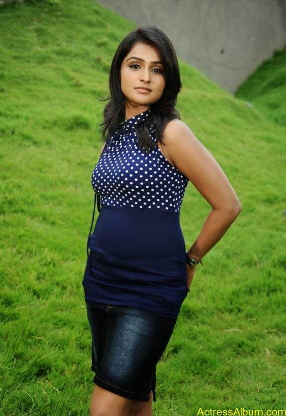 Remya nambeesan cute hot photos stills (7)