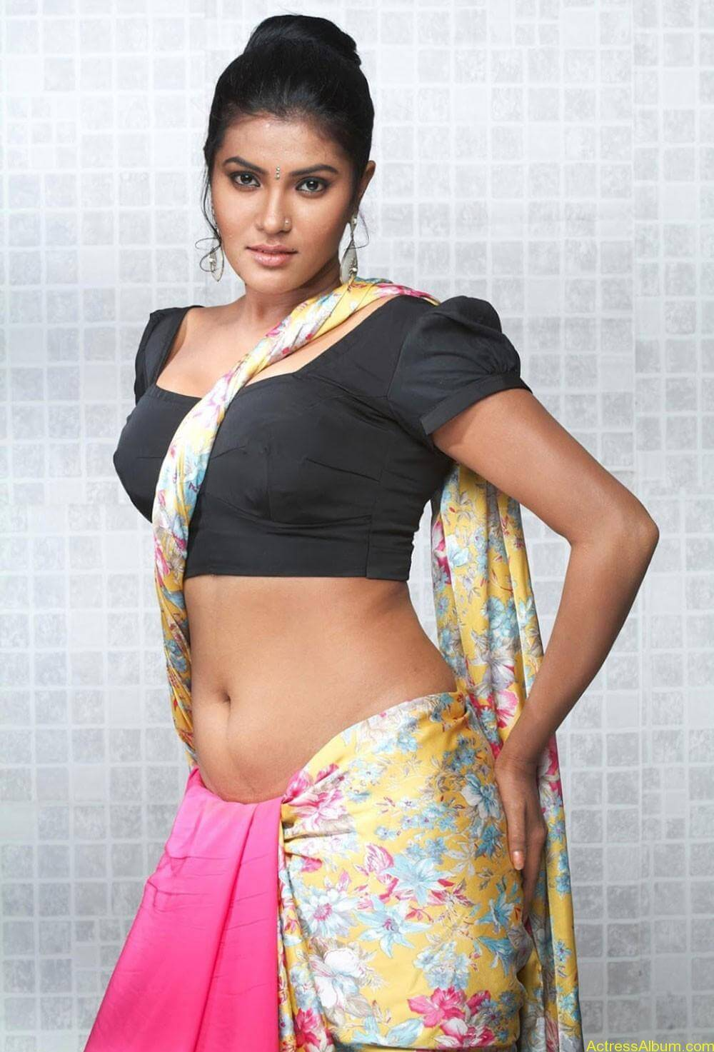 rythamika_spicy_stills__02