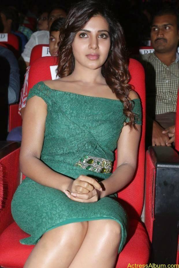 Samantha hot in tight wear (2)