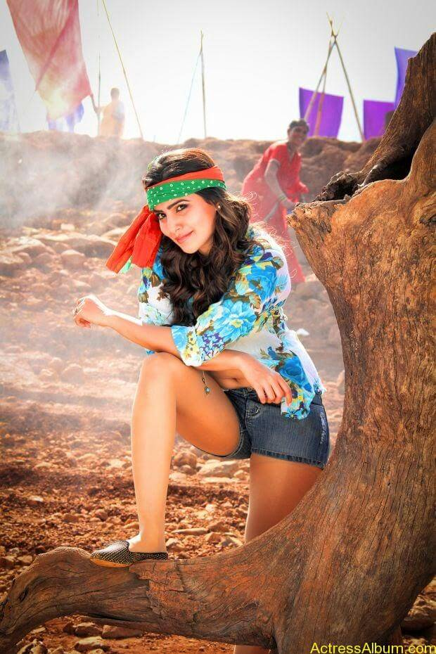 Samantha hot stills in sikandar movie (2)
