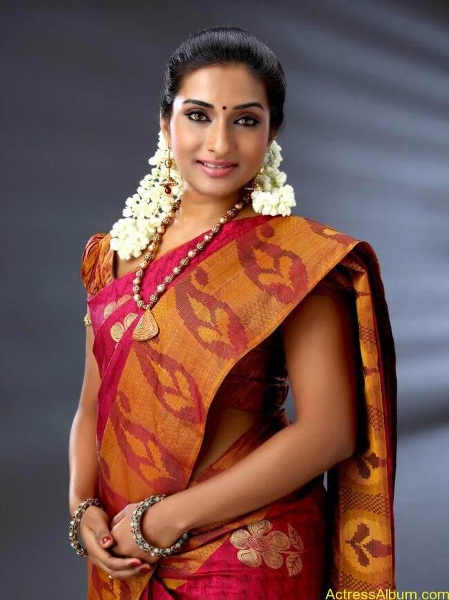 saravanan-meenakshi-ramya-stills-005