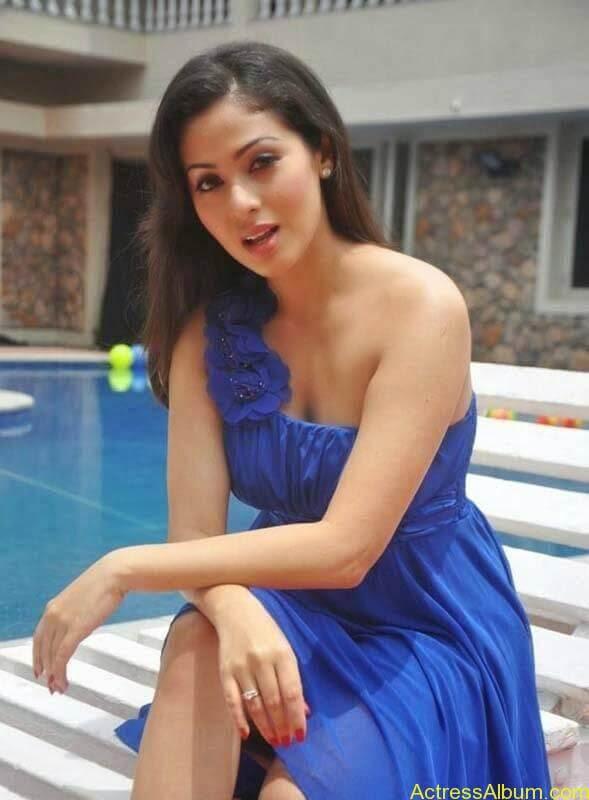 Satha latest hot stills (4)