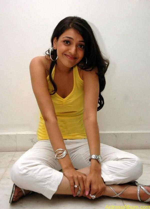 sexy-kajal-agarwal-wallpaers_4553