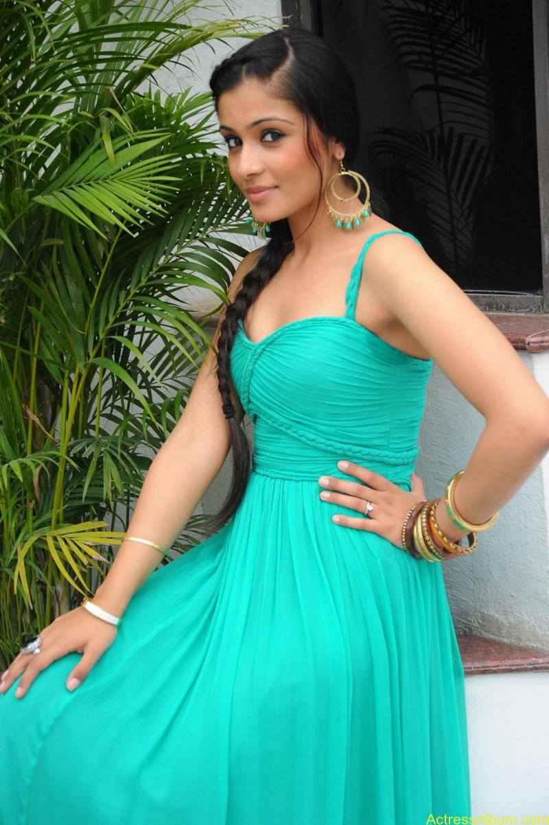 shagun hot stills (4)