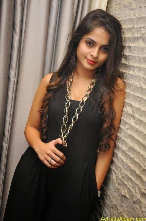 Sheena shahabadi new photos (8)