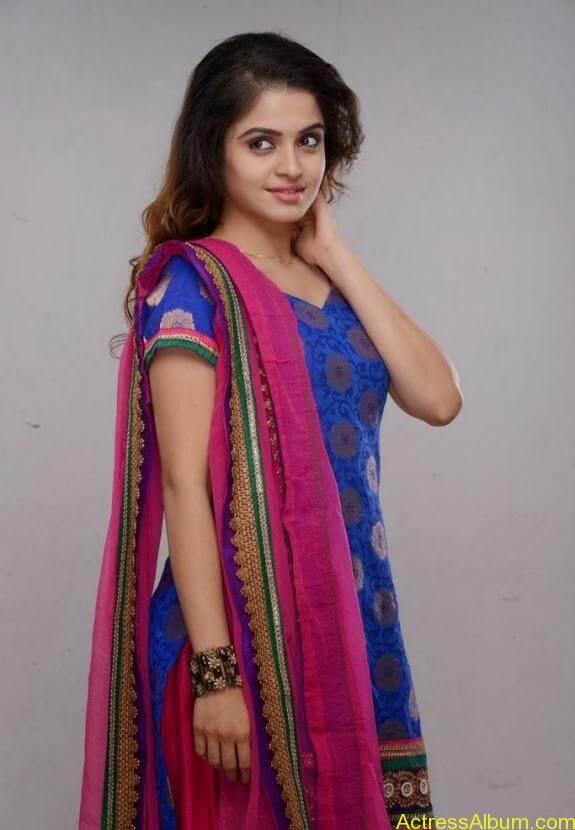 Sheena shahabadi photos (1)