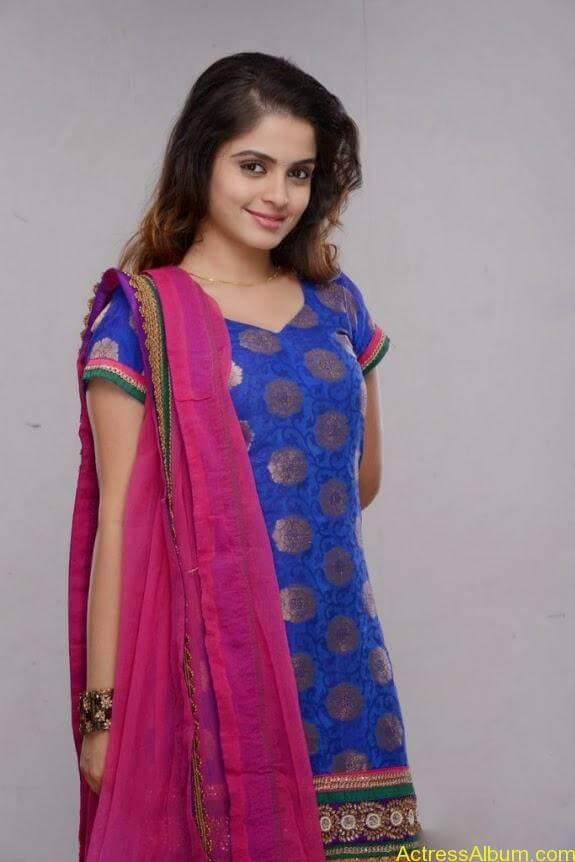 Sheena shahabadi photos (2)