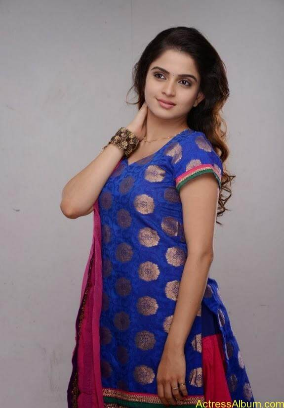 Sheena shahabadi photos (6)