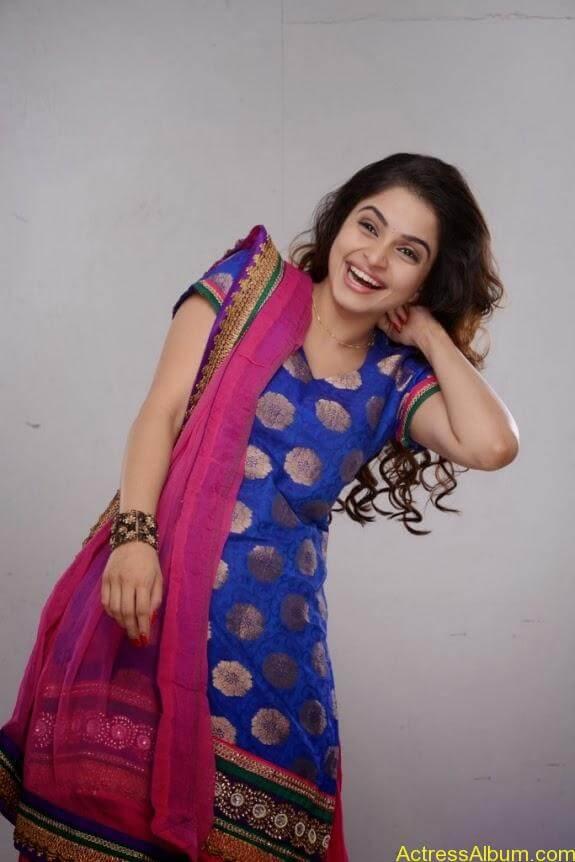 Sheena shahabadi photos (7)