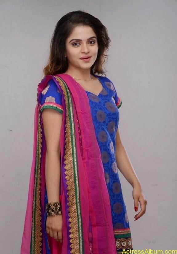 Sheena shahabadi photos (8)