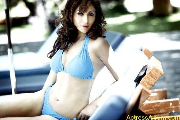 Shilpi-Sharma-Bikini-Photos