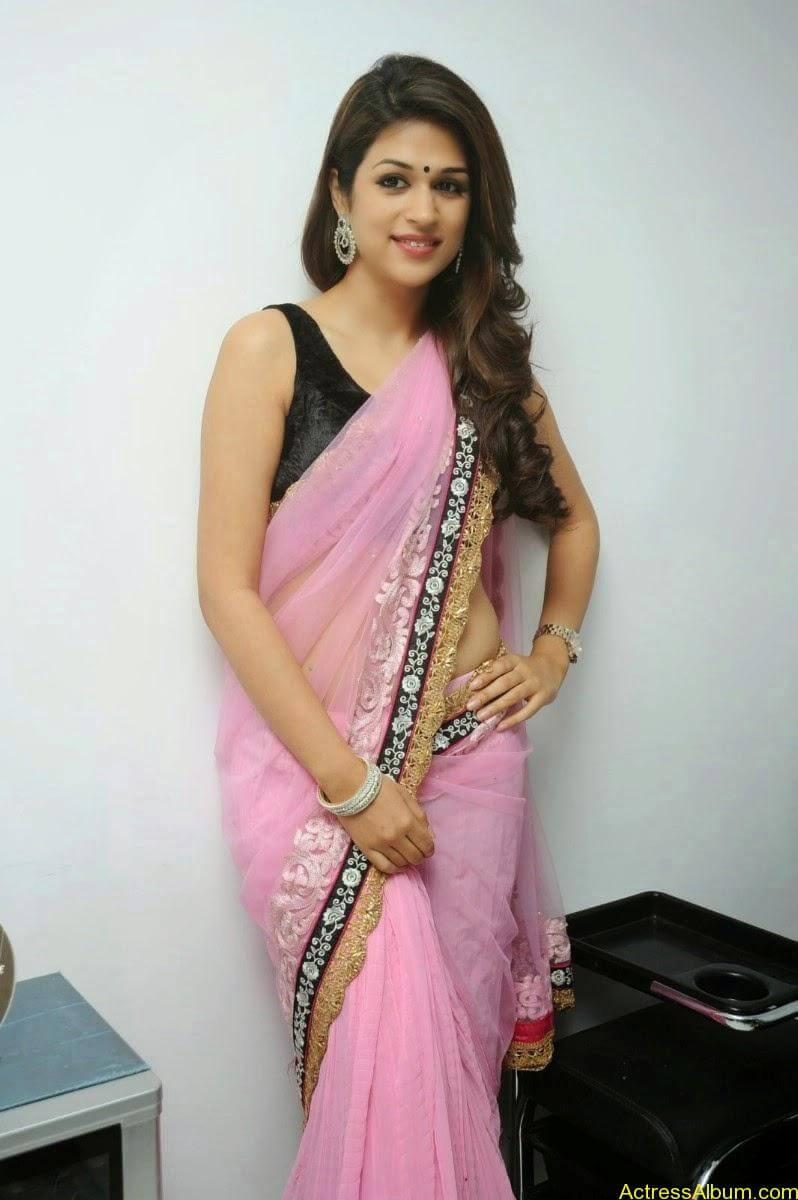 Shraddha Das latest Cute Saree Photo Stills (12)