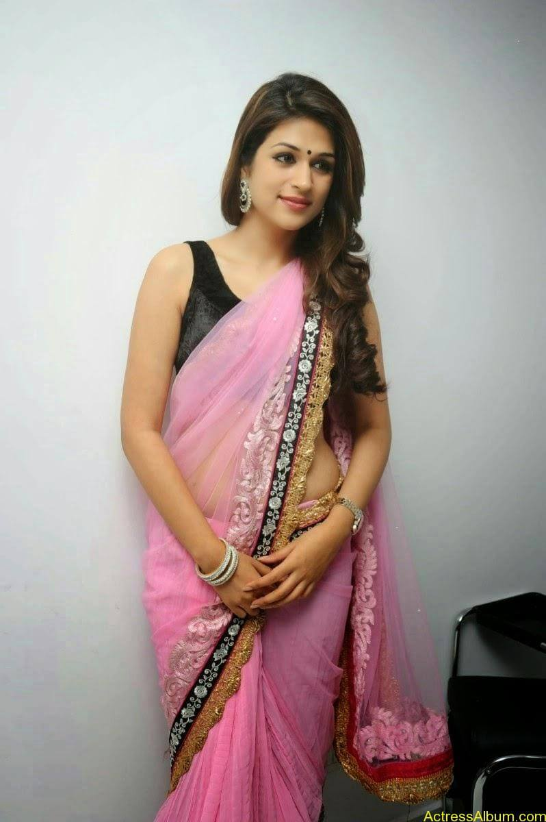 Shraddha Das latest Cute Saree Photo Stills (2)