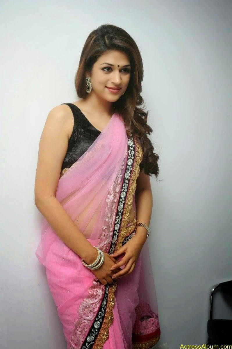Shraddha Das latest Cute Saree Photo Stills (3)