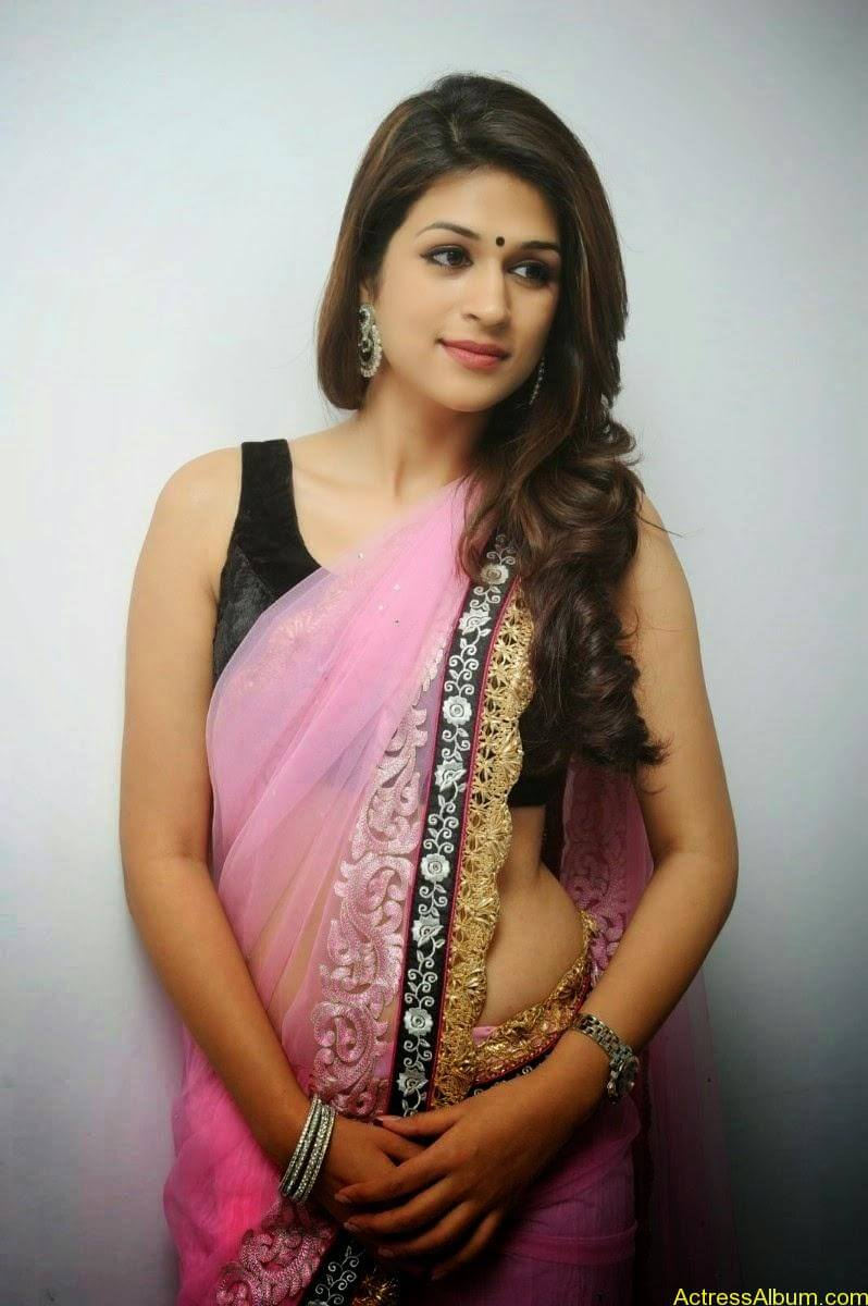 Shraddha Das latest Cute Saree Photo Stills (4)