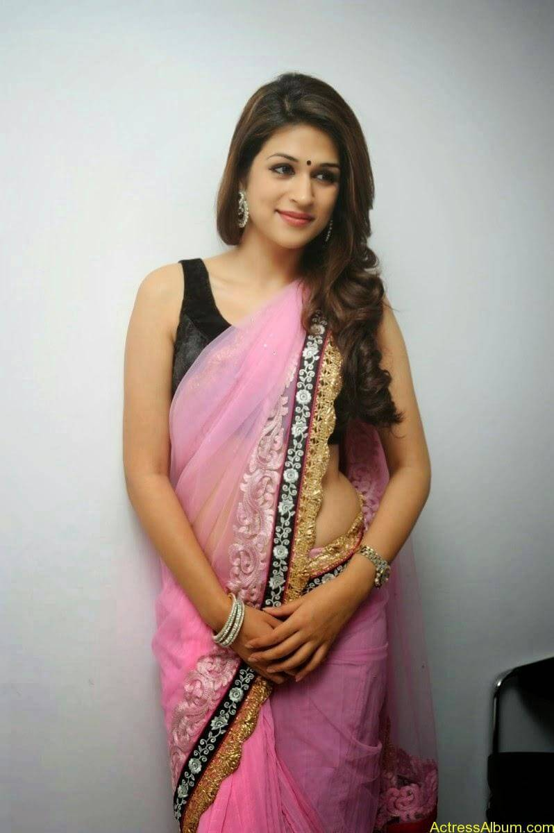 Shraddha Das latest Cute Saree Photo Stills (5)