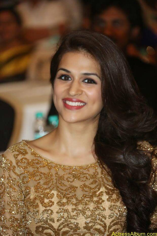 Shraddha Das latest wallpapers (4)