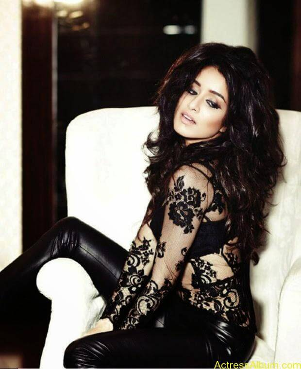 Shraddha Kapoor photo shoot for FilmFare (6)