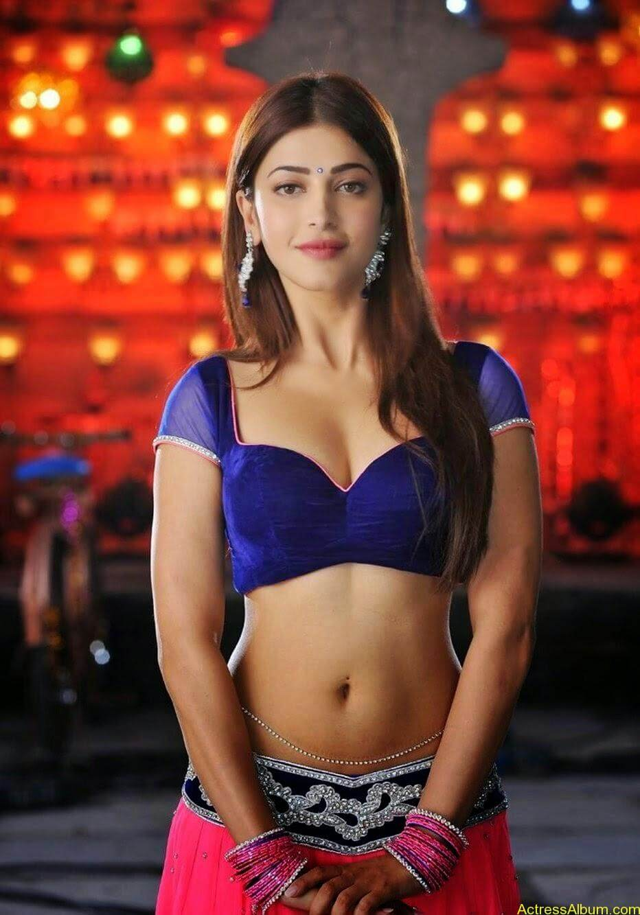 Shruti haasans latest very hot photos stills (8)